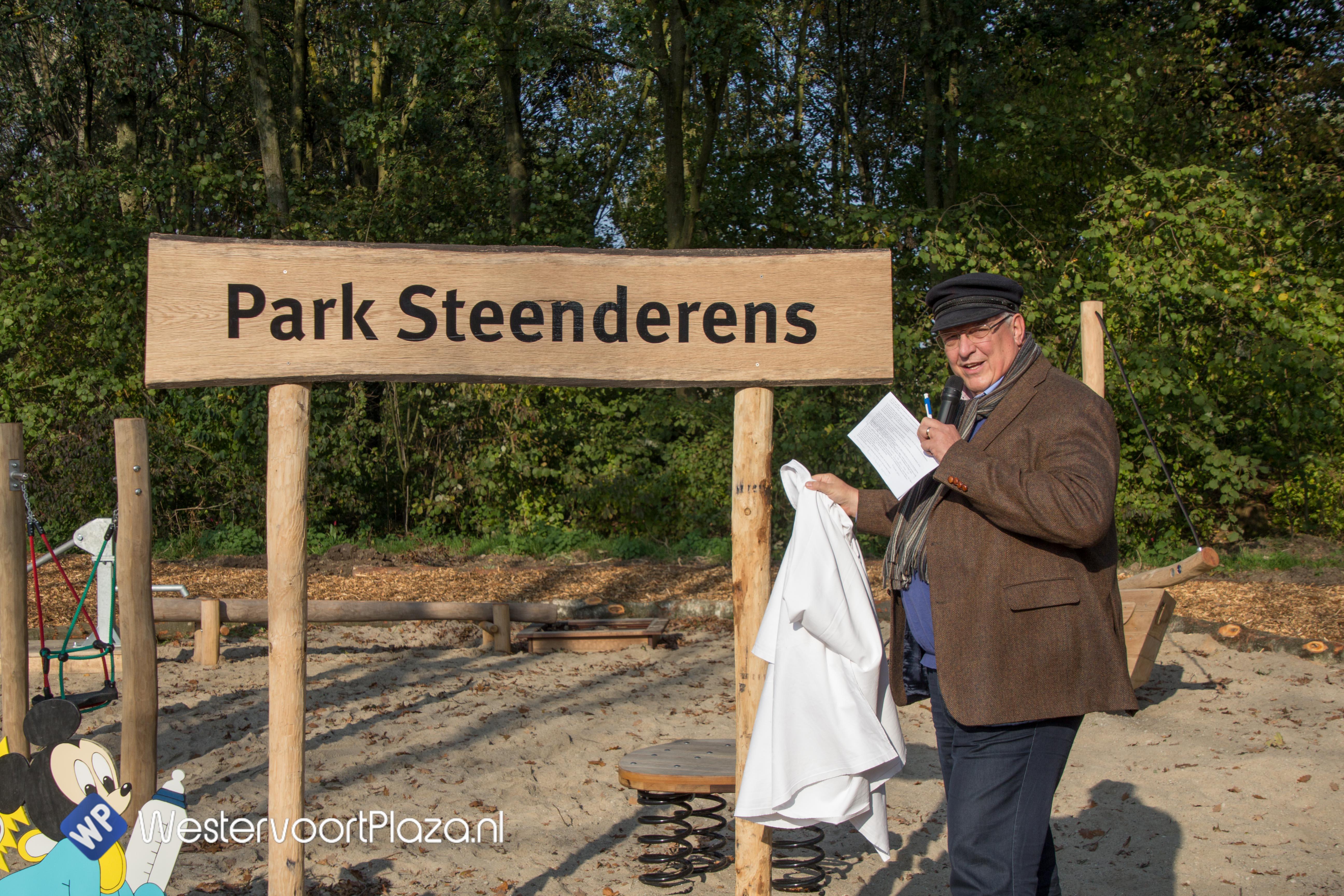 Park Steenderens feestelijk heropend