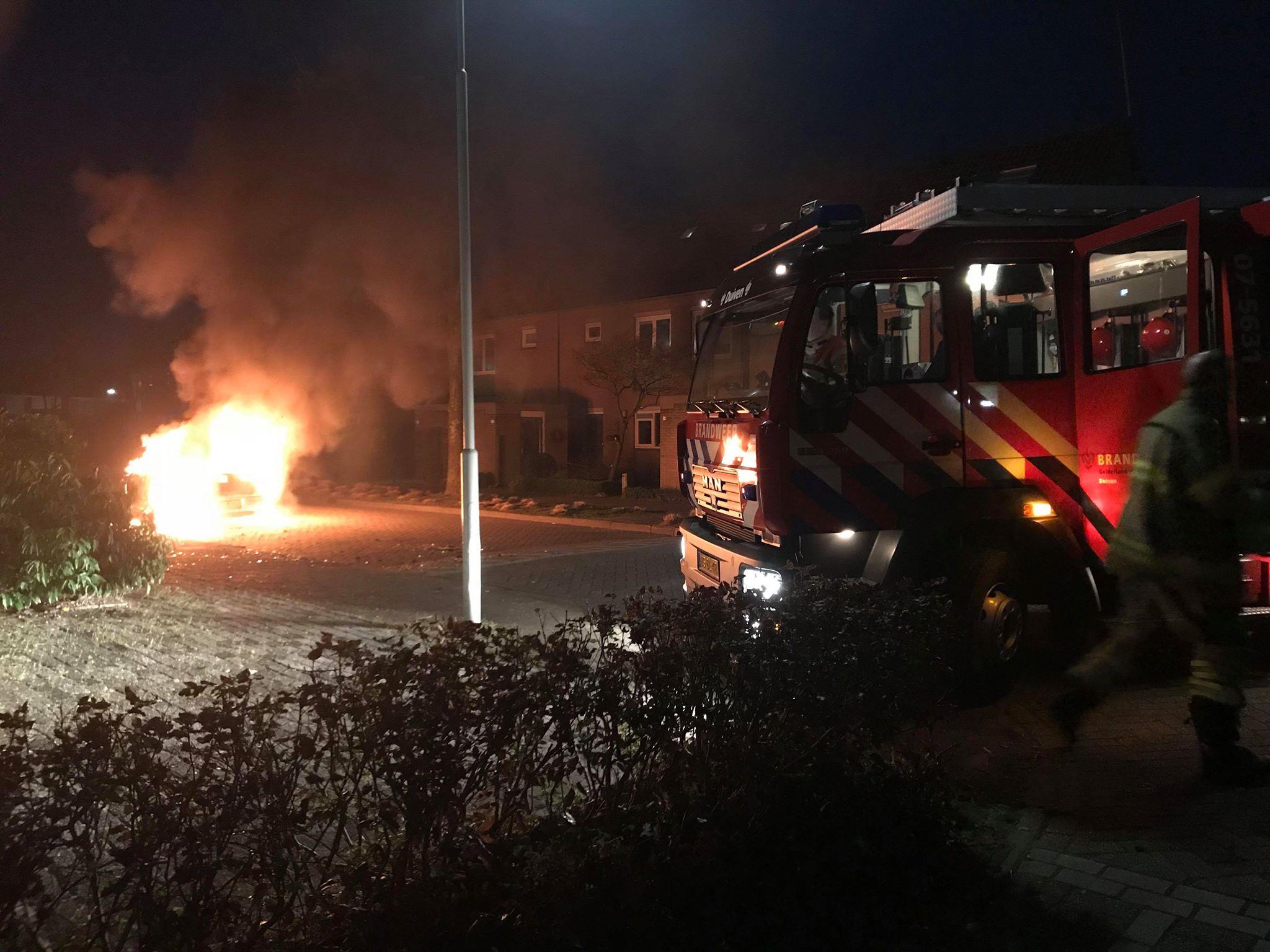 Auto uitgebrand op De Leigraaf