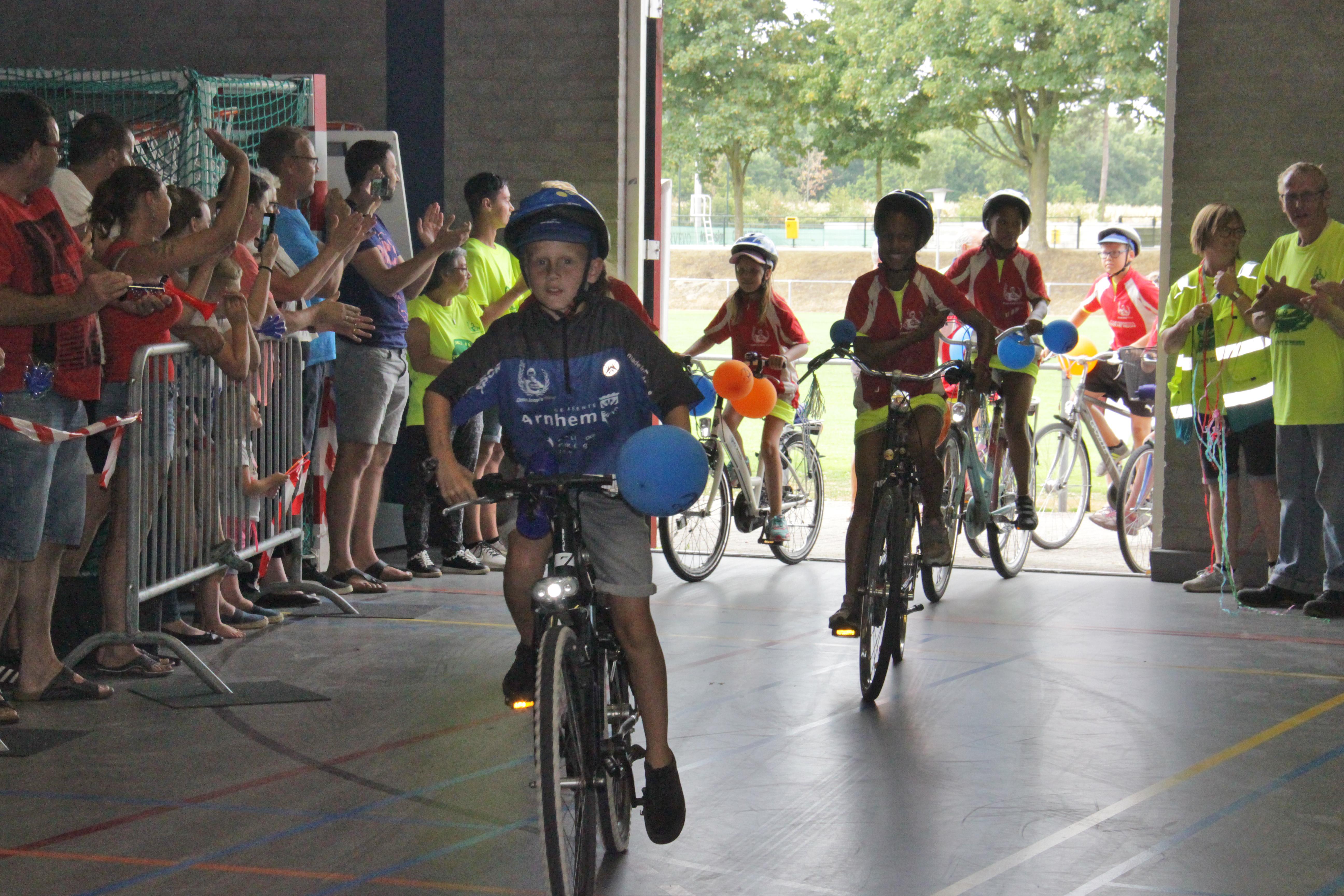 Finish Ome Joop's Tour 2018 in Valkenhuizen opnieuw een groot spektakel