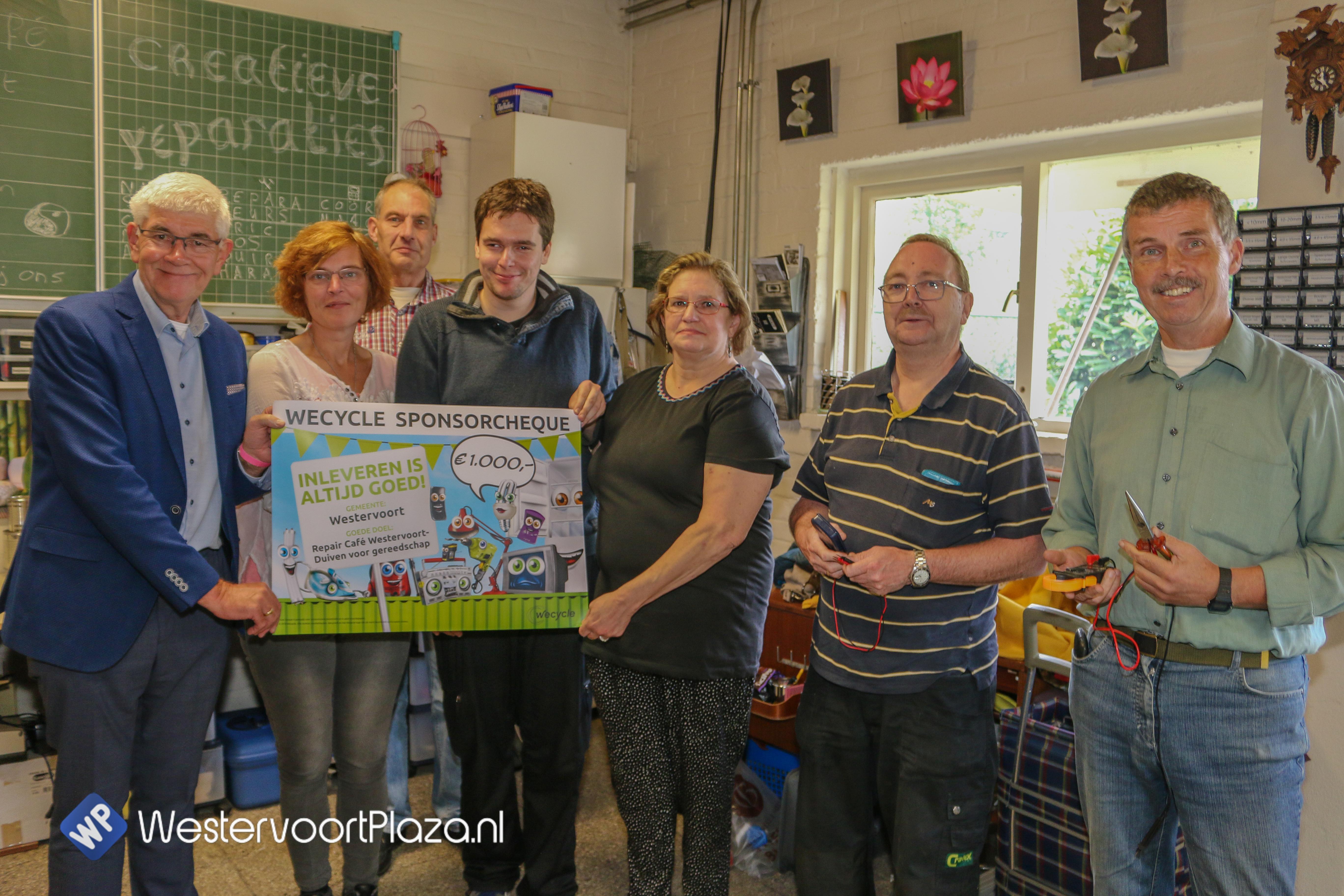 Repair Café Westervoort-Duiven wint 1.000 euro met inzamelactie elektrische apparaten