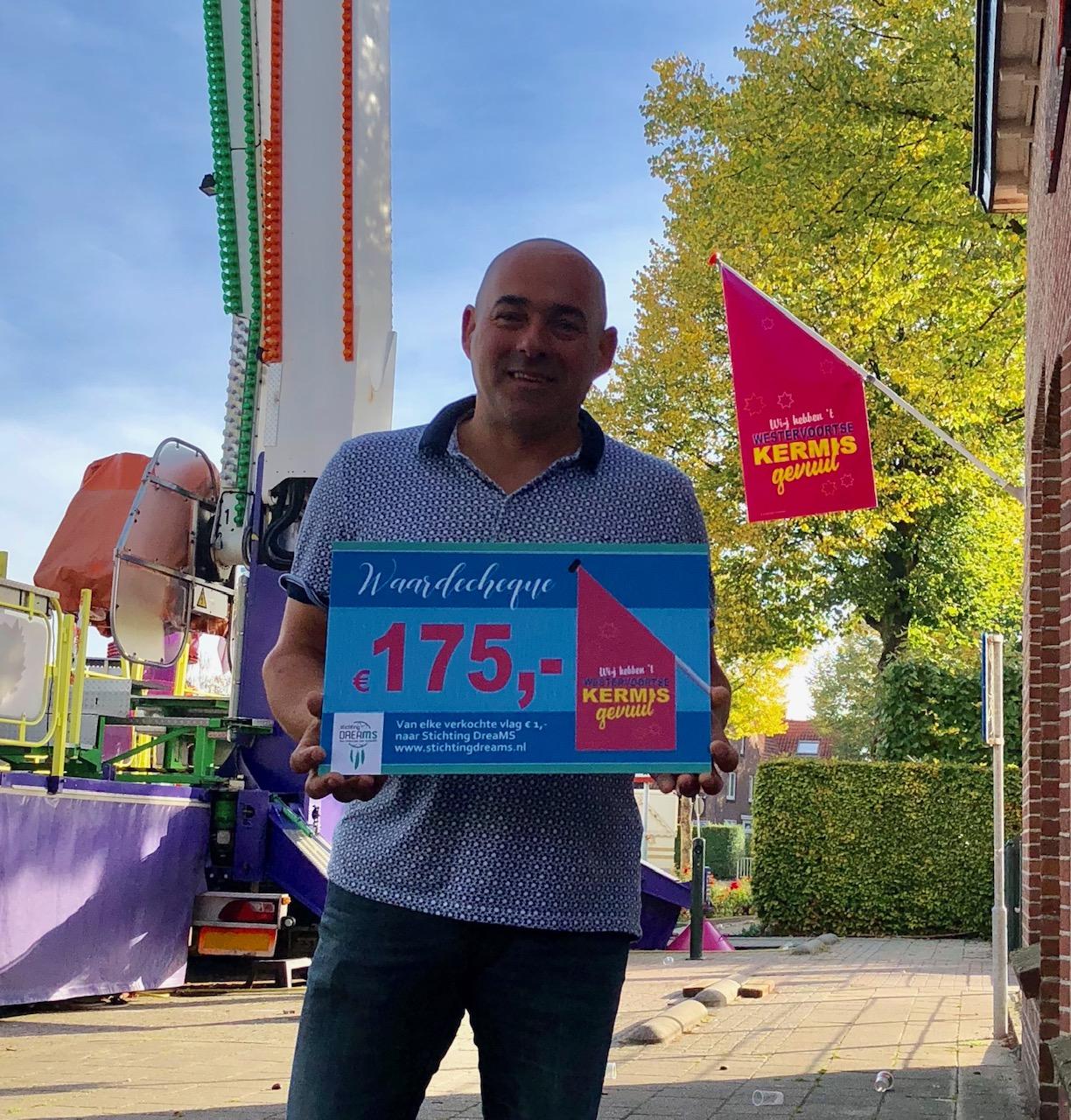 """Donatie """"Kermisvlag"""" aan Stichting DreaMS!"""