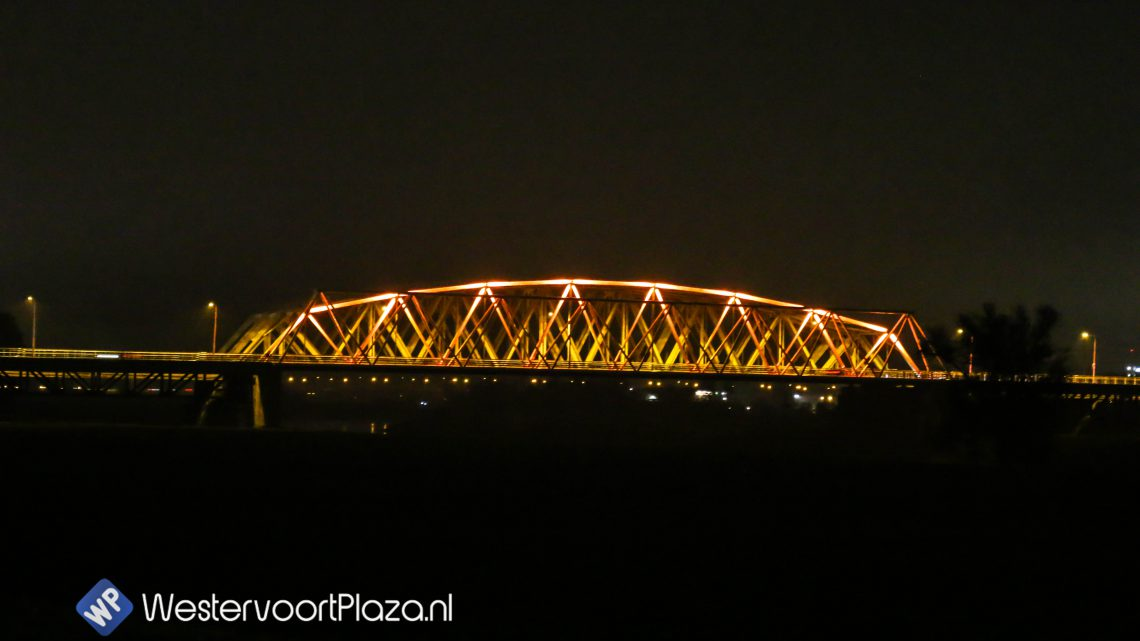 westervoortse brug oranje verlicht voor orange the world