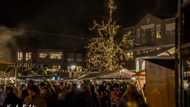Drukbezochte kerstmarkt in Westervoort