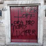 Kerken in Westervoort beklad met anti-christelijke leuzen