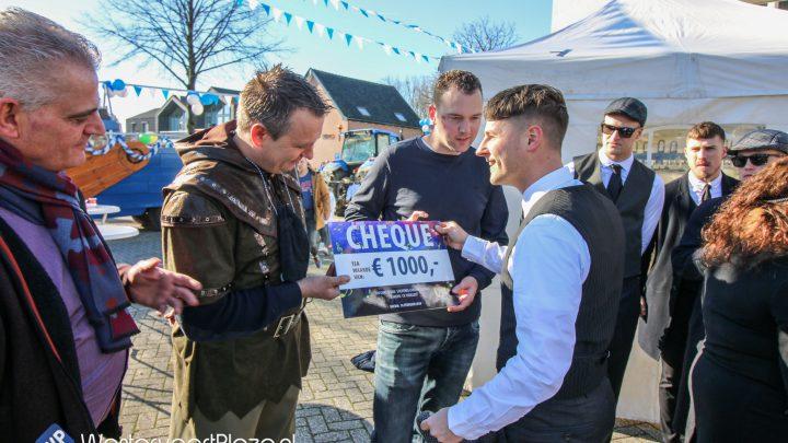 Cheque van 1000 euro voor de carnavalsloods