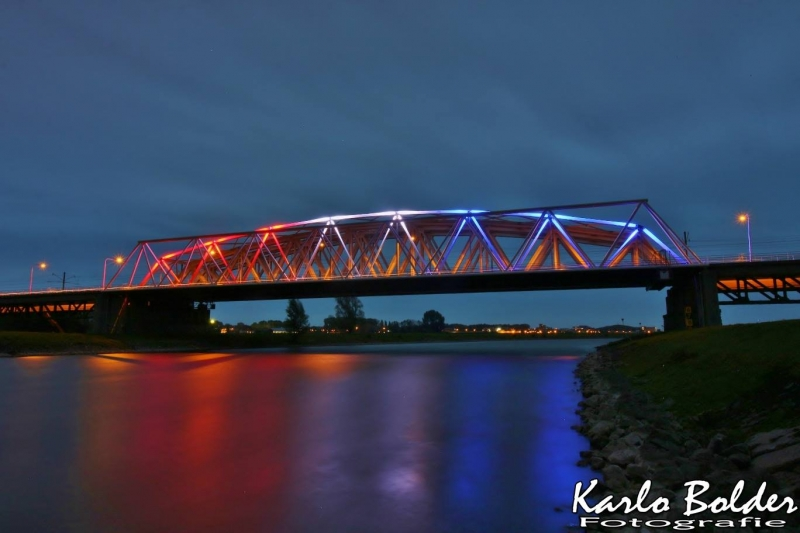 Westervoortse brug verlicht op 4 en 5 mei