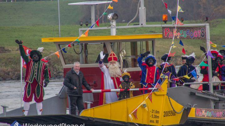 Intocht Sinterklaas in Westervoort op zaterdag 23 november