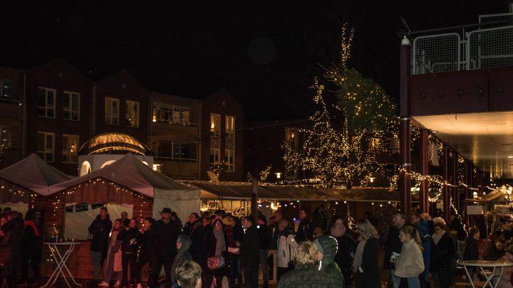 Gezellige Kerstmarkt in Westervoort ondanks slechte weer