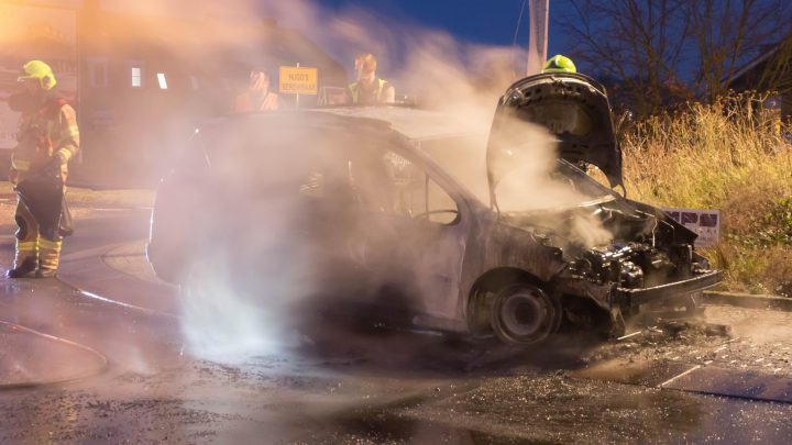 Weinig over van auto die in brand vliegt tijdens het rijden in Westervoort