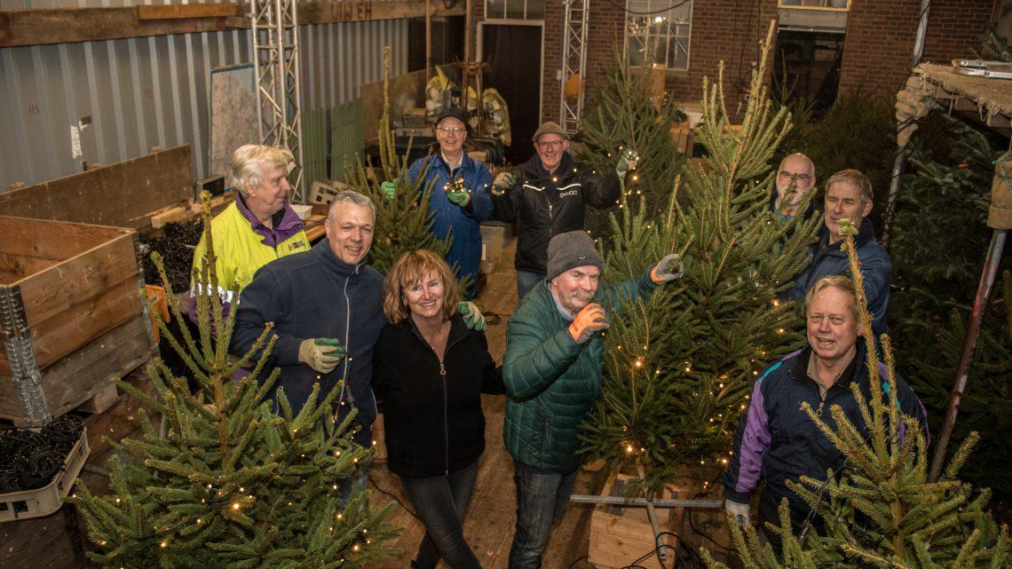 Westervoort weer in kerstsfeer door vele vrijwilligers
