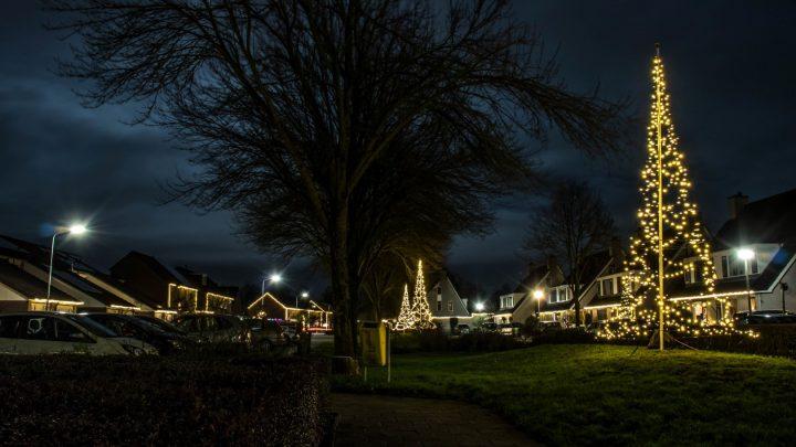 Vernieling kerstversiering in de wijk Steenderens