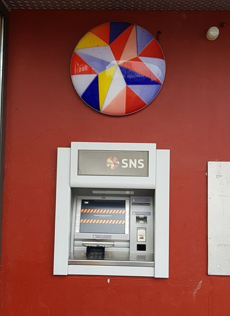 Geldautomaat SNS op de Broeklanden voorlopig gesloten uit angst voor plofkraak