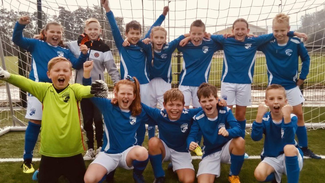 Sportclub Westervoort JO11-2 viert kampioensfeest!