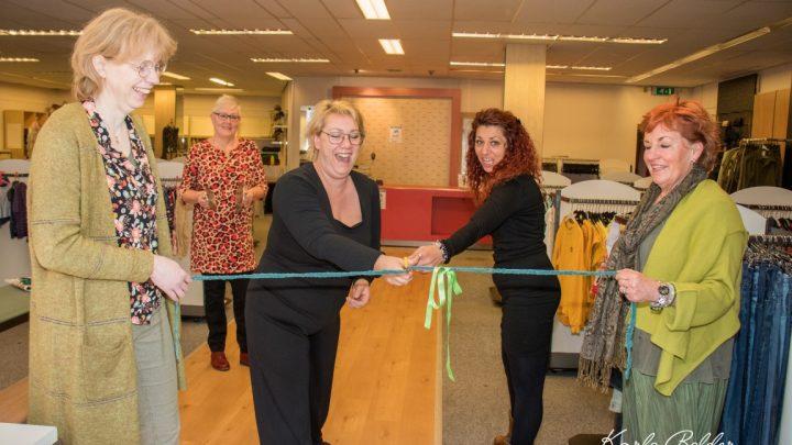 Inloopkast de Cirkel feestelijk geopend op winkelcentrum De Wyborgh