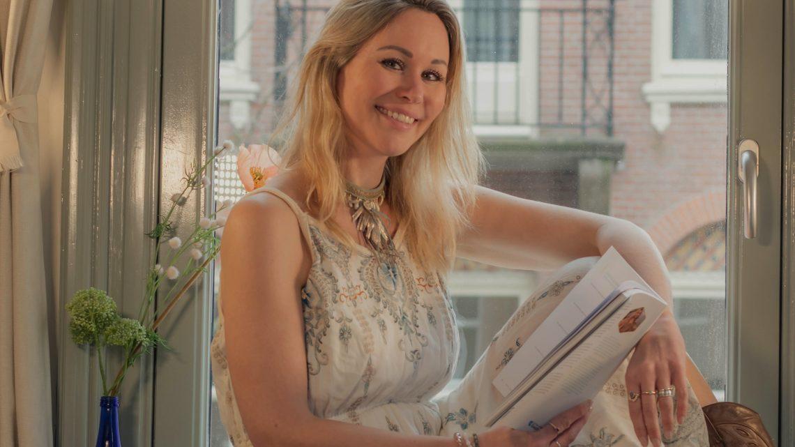 Westervoortse Marjolein Berendsen publiceert haar boeken 'Holistisch leven, moeiteloos gelukkig zijn'
