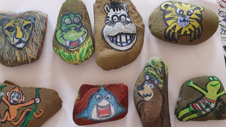 Happy stones maken iedereen vrolijk
